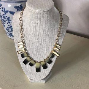 Jewelry - NWT Gold-tone necklace